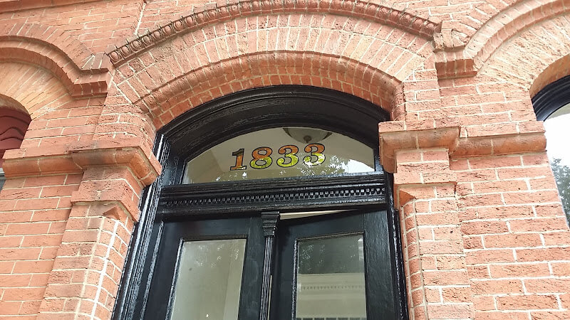 Gilded House Numbers; Gold Leaf Transom Numbers – 1833 Baltimore