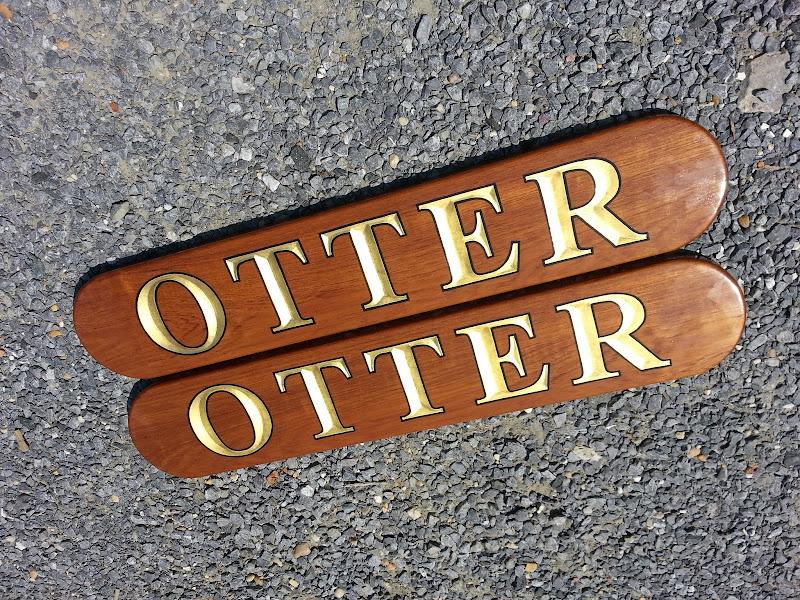 quarterboard sign